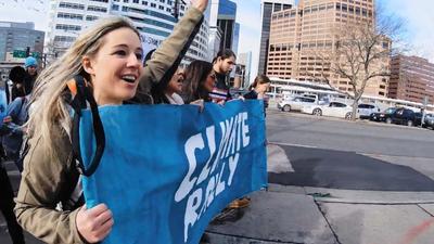S1E1 - Caroline Gleich Becomes an Activist